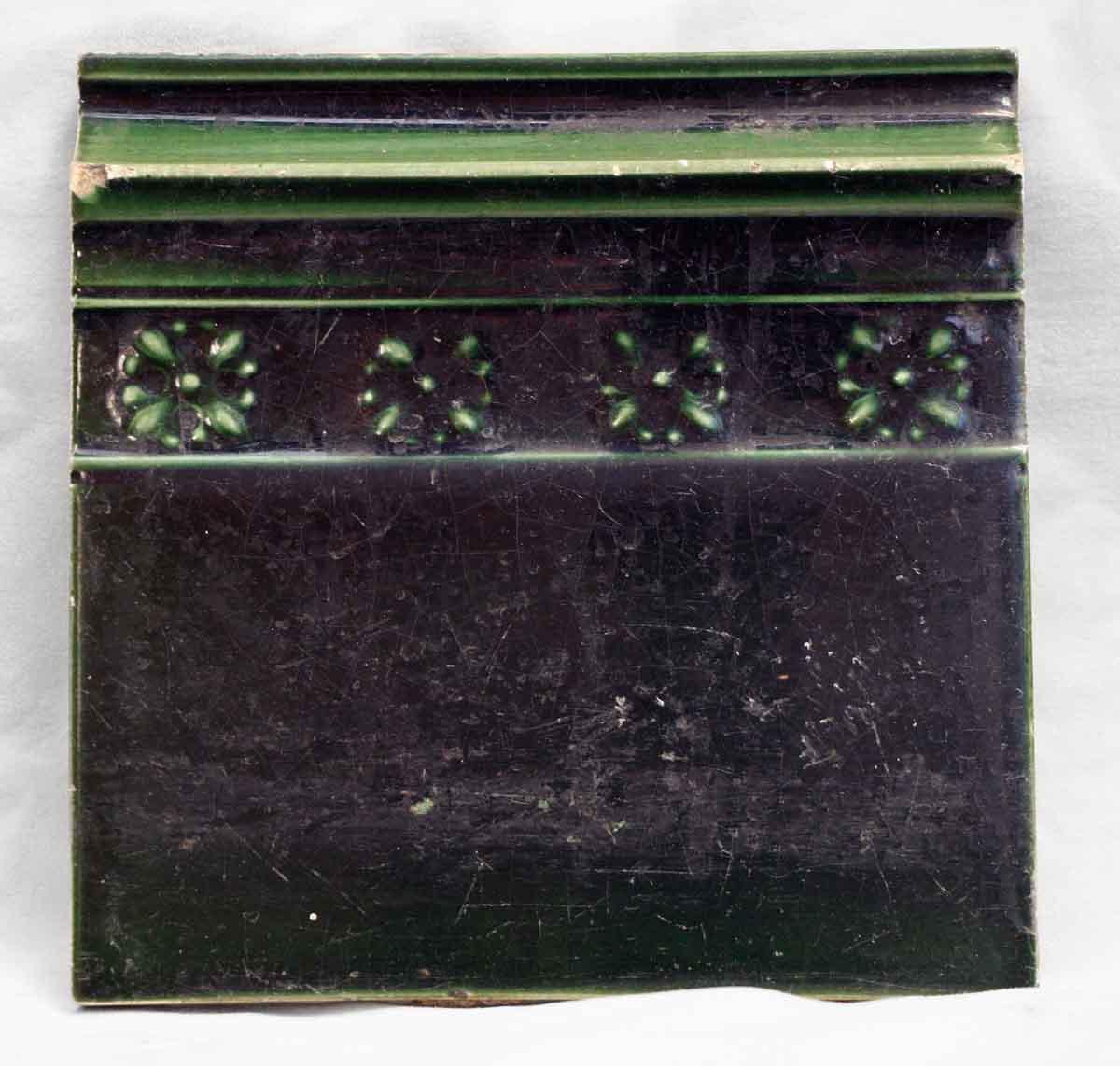 Antique Hunter Green Floral Wall Trim Tile