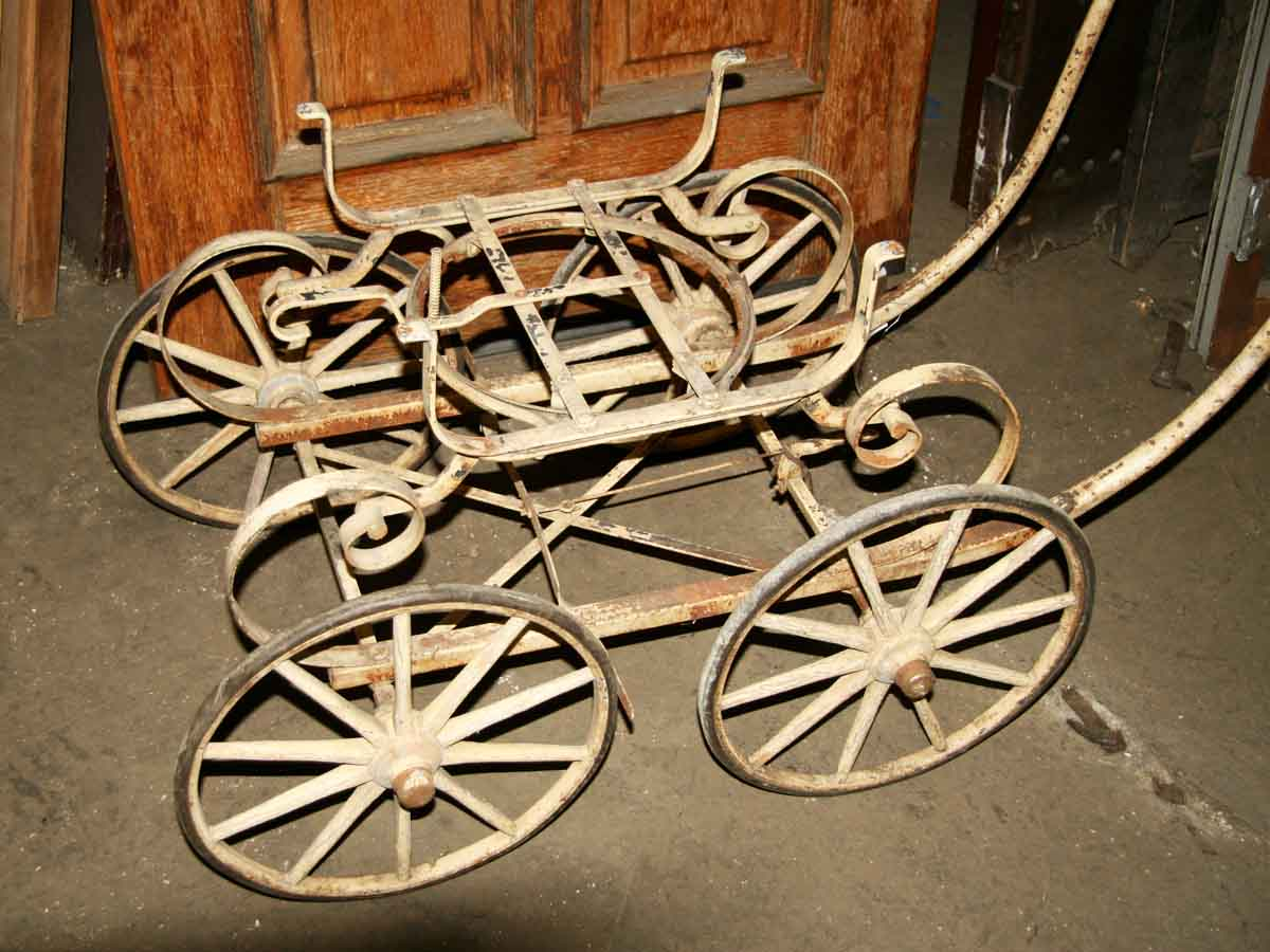 Antique four wheel wagon olde good things for Things to do with old wagon wheels