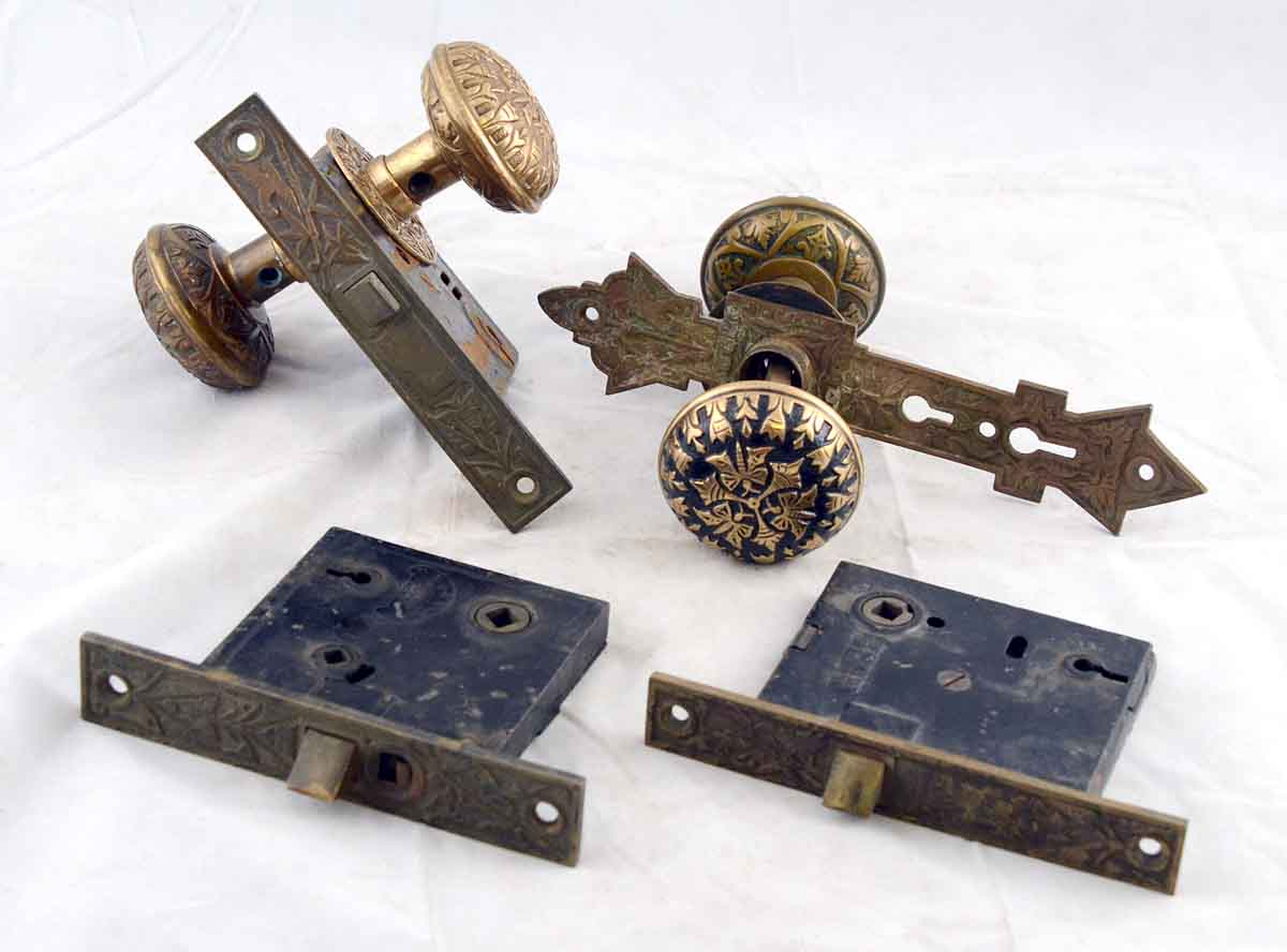 "Vernacular ""Butterfly"" Pattern Doorknob Set"