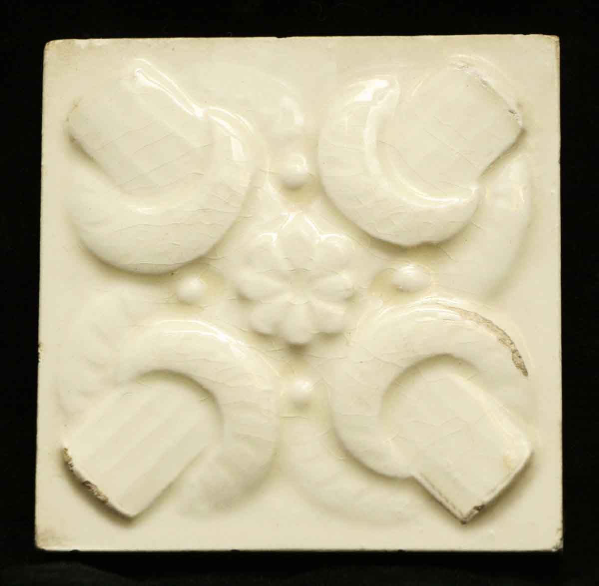Antique Off White Geometric Tile