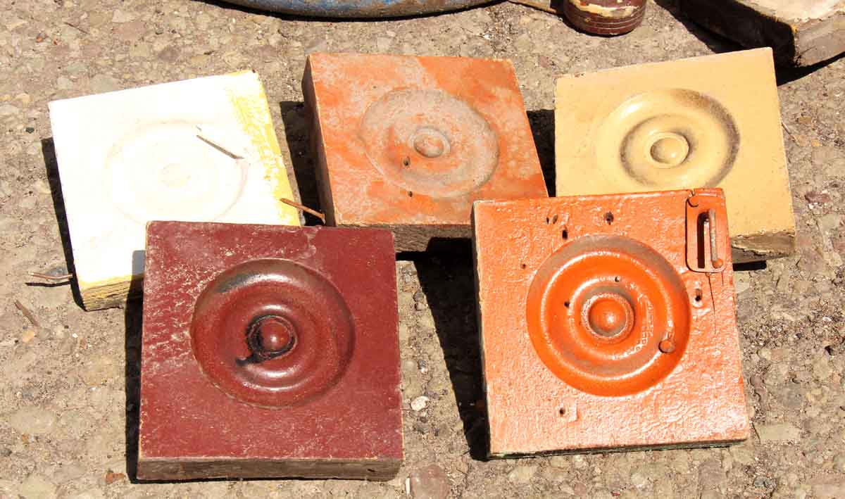 Antique Bulls Eye Corners