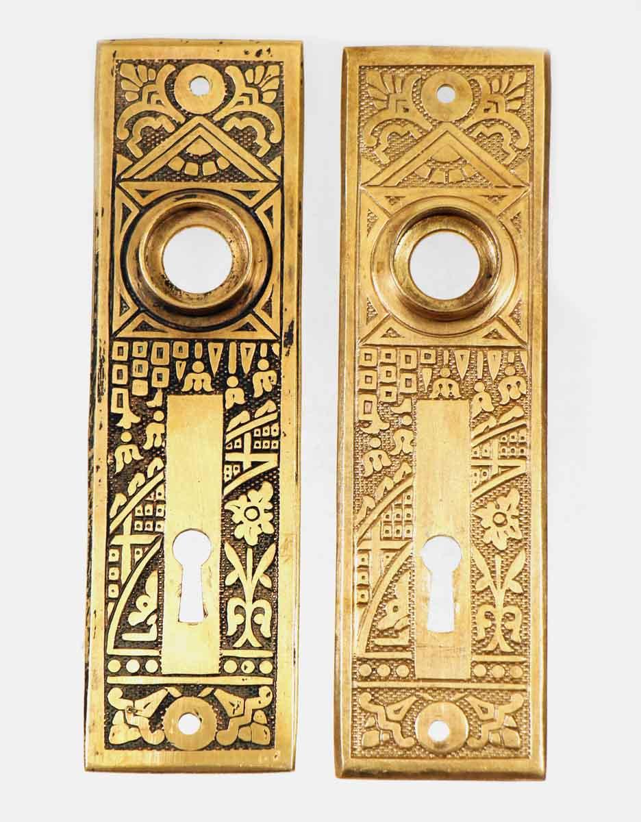 Aesthetic Ceylon Detailed Back Plate