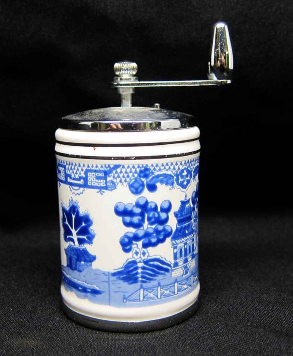 Thompson Oriental Design Shaker