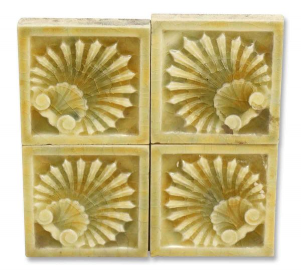 Small Decorative Green Shell Tile
