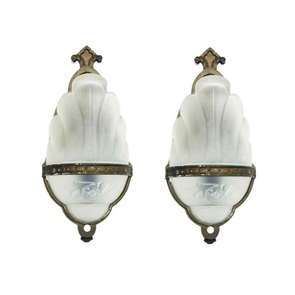 Art Deco Ribbed Glass Sconce