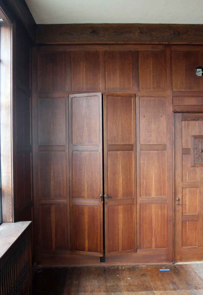 Rich Wood Panelled Rooms: Solid Oak Arts & Crafts Wood Paneled Room