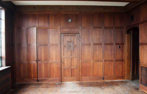 Solid Oak Arts & Crafts Wood Paneled Room