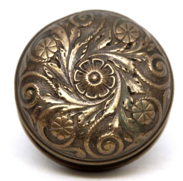 Ornate Floral Reading Bronze Knob