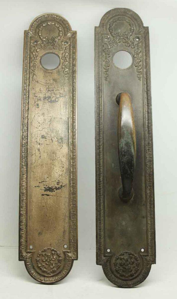 Pair of Bronze Wreath Door Handle & Plate Set