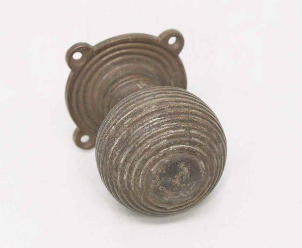 Single Circular Knob with Rosette