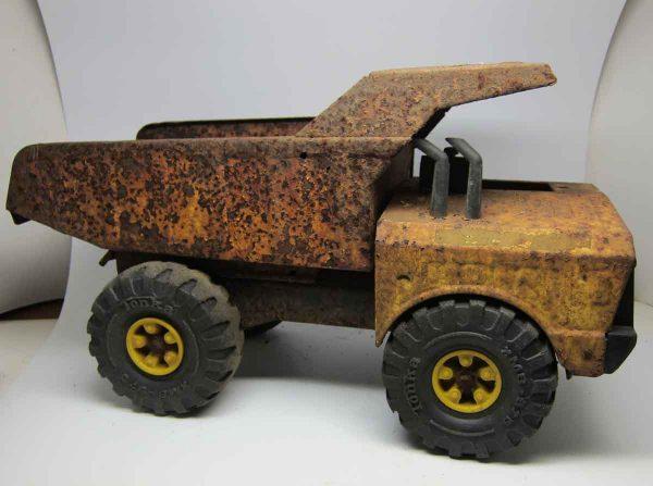 Rusty Old Tonka Dump Truck