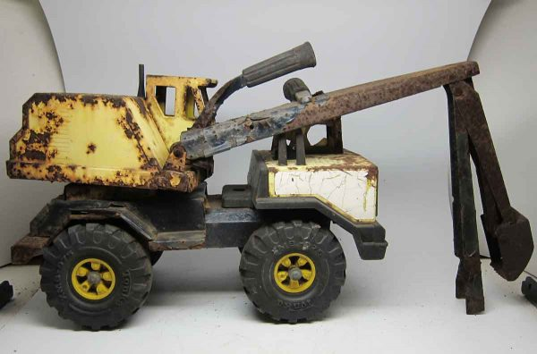 Rusty Vintage Tonka Excavator Truck