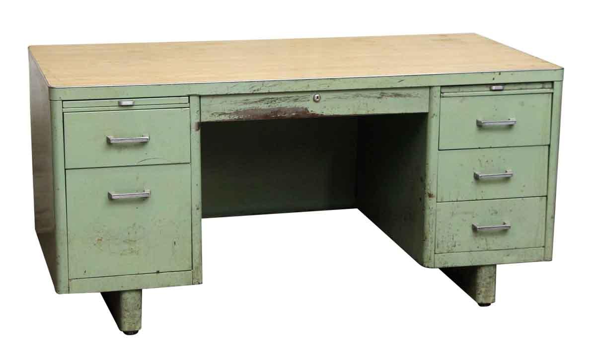 Green Steel Tanker Desk