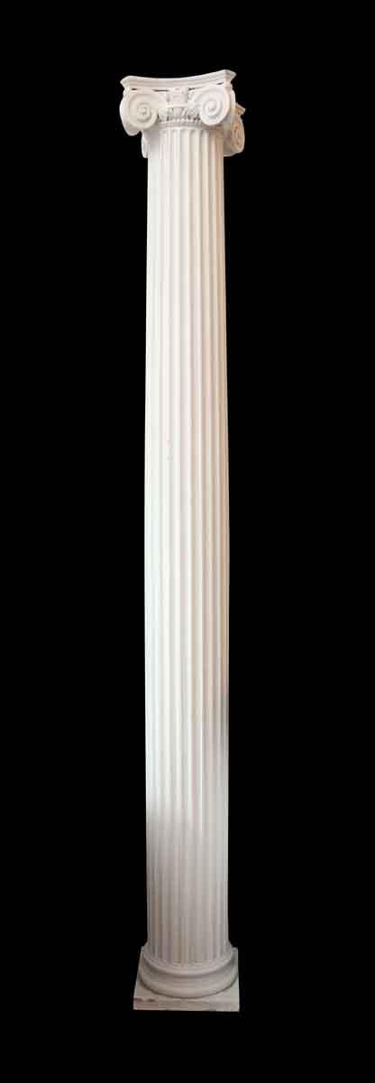 Pair of 1920s White Wood Columns from Vanderbilt House