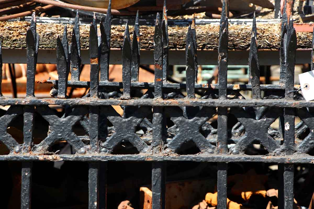 Split Finial Wrought Iron Fence With Cast Detail Olde