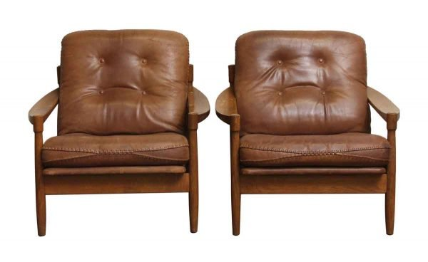 Great Pair of Mid Century Leather & Oak Arm Chairs - Living Room