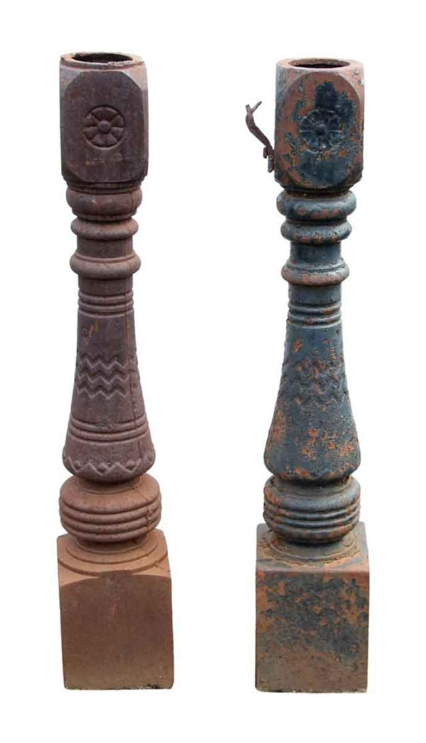 Pair of Medium Size Cast Iron Brooklyn Newel Posts - Fencing