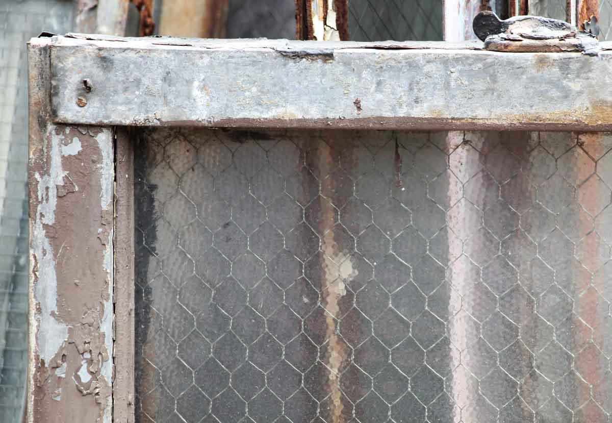 Single Panel Pebbled Chicken Wire Glass in Galvanized Metal Window ...
