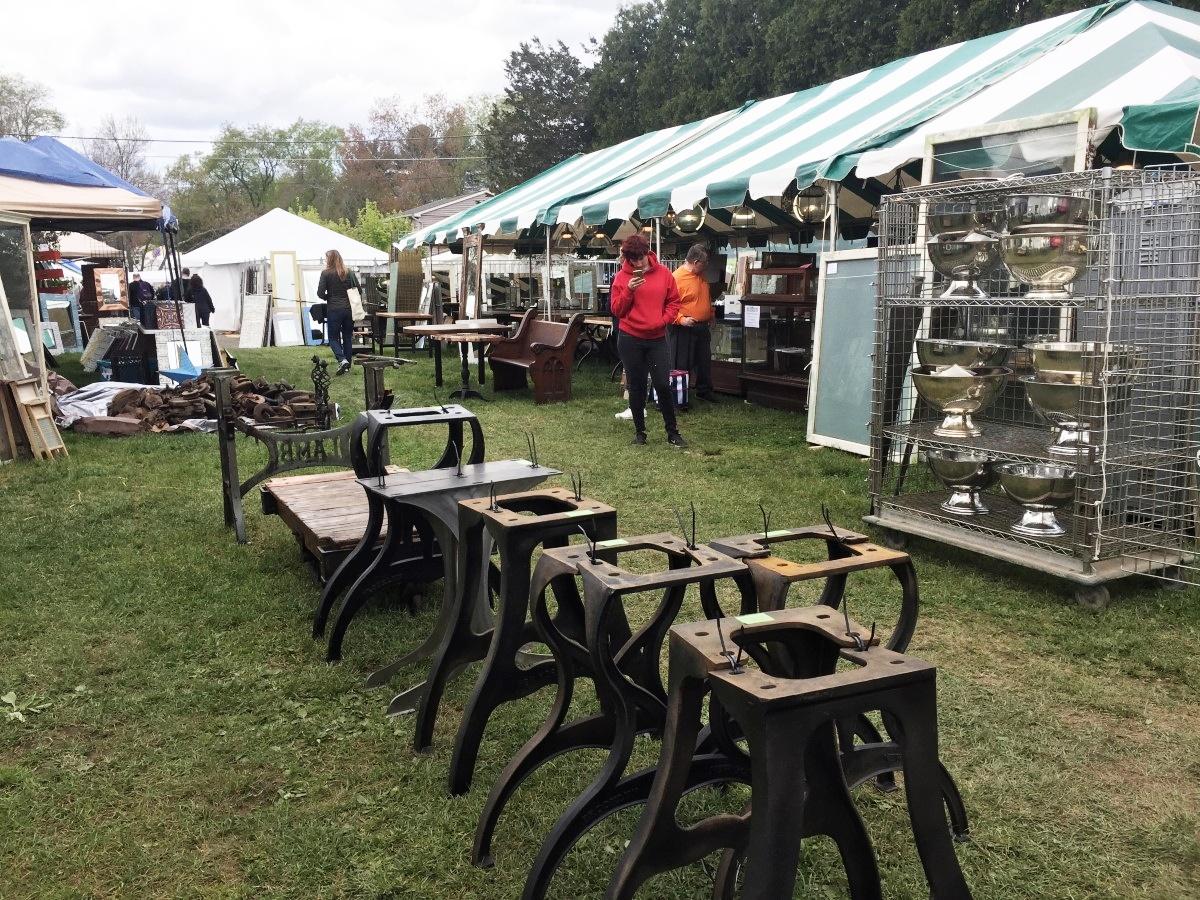Category antique shows flea markets olde good things for Brimfield flea market