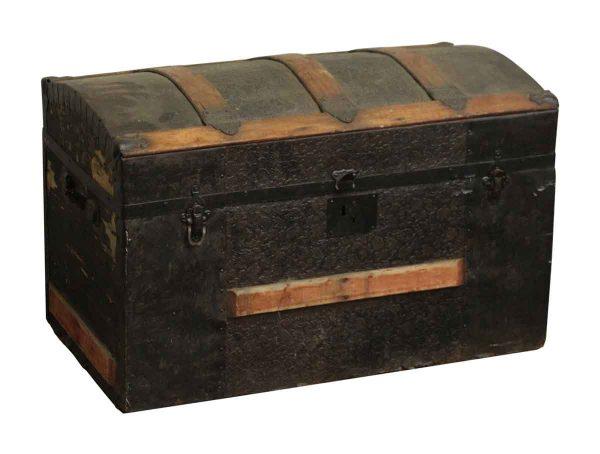 Detailed Olde Wooden Trunk - Trunks