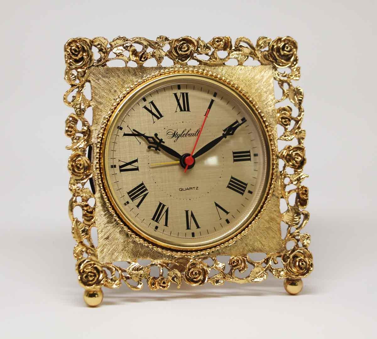 Charmant Vintage Stylebuilt Quartz Brass Table Clock