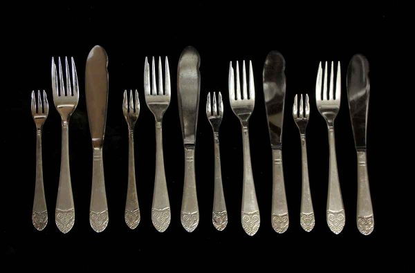 Kitchen - Salvaged Waldorf Art Deco 12 Piece Fish Flatware Set