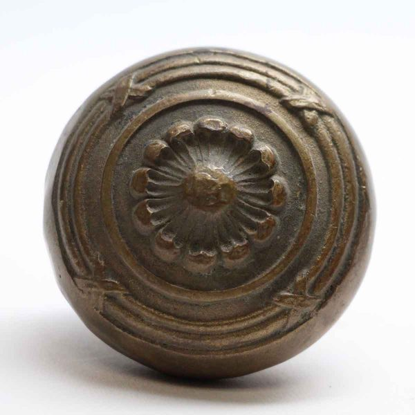Door Knobs - Antique Lockwood Cast Bronze Floral Door Knob