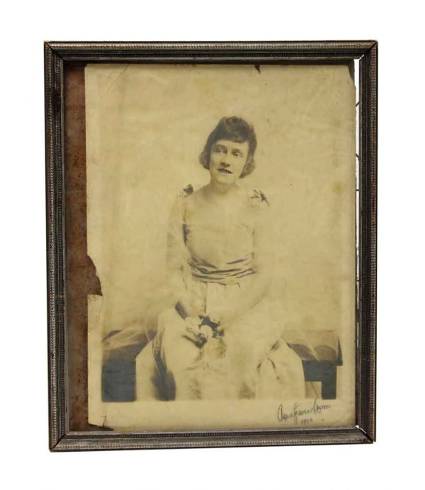 Photographs - Picture Frame with Old Vintage Portrait