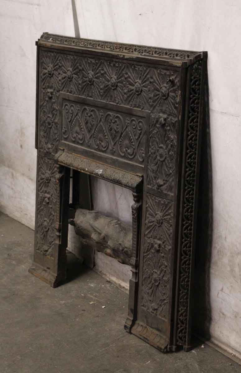 Cast Iron Queen Anne Style Ornate Fireplace Insert With Faux Log