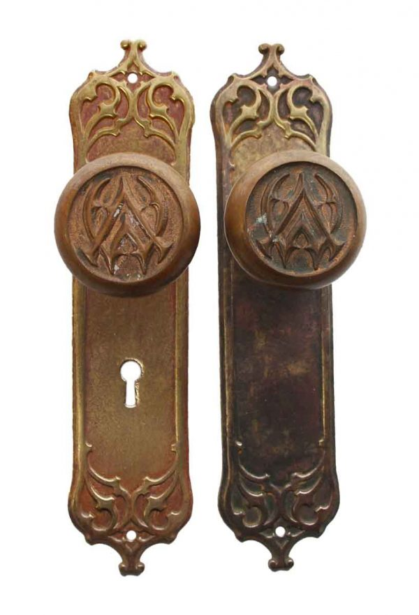 Door Knob Sets - Antique Gothic Design Vernon Manor Entry Door Knob Set